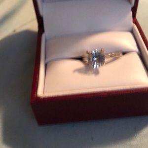 Jewelry - Engagement ring diamond stimulant
